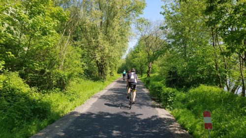 cycling to Paris along the avenue verte